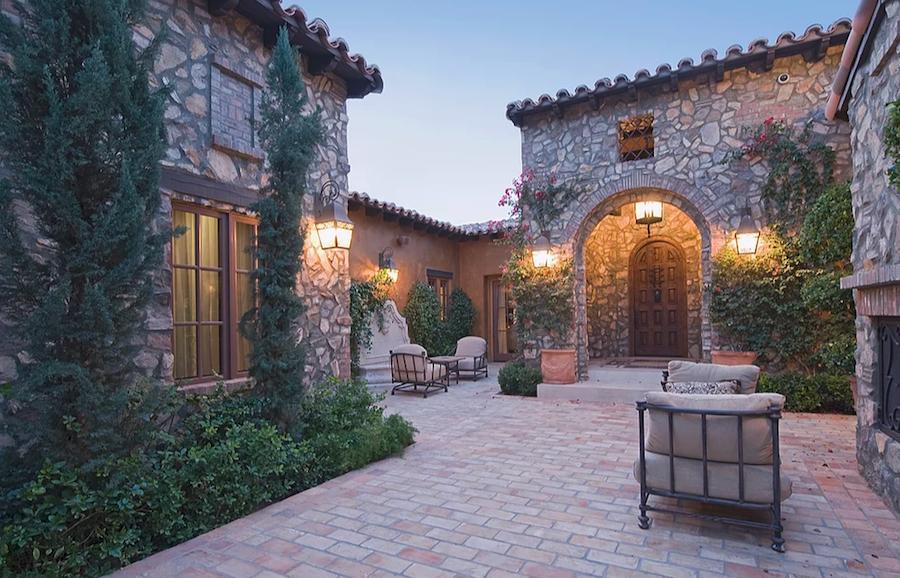 Phoenix Corporate Rentals management outdoor patio
