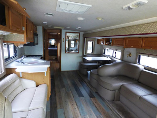 Phoenix RV Rentals - Interior 37-foot