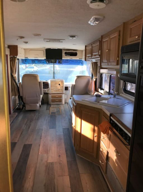 Main Cabin, Tiffin RV Rentals in Phoenix